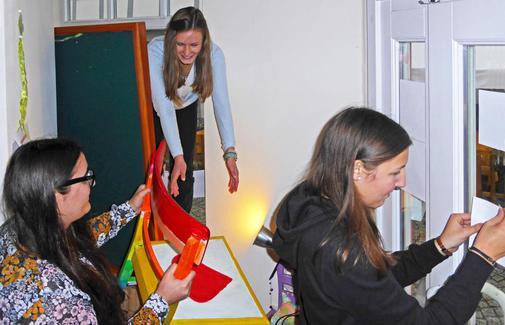 """Ausstellung """"Schüler für Flüchtlinge"""": Zeichen gesetzt"""