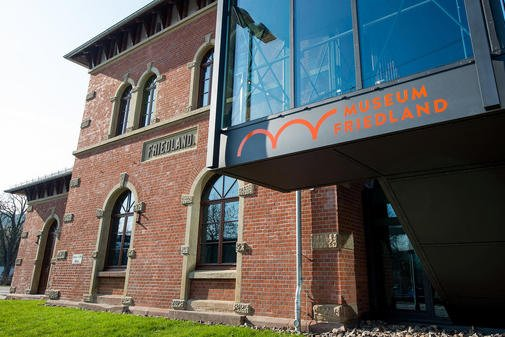 Sommerfest für Flüchtlinge und Besucher im Museum Friedland