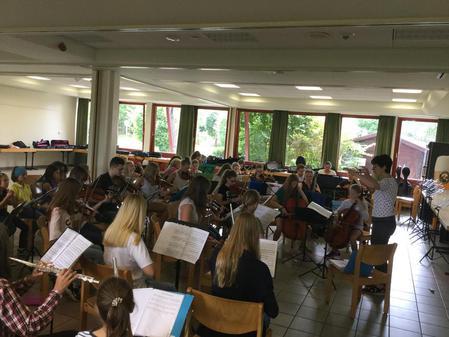 """Musikalisches Integrationsprojekt – Proben laufen für """"Zauberflöte – inkognito"""""""